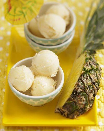 Ананасове морозиво