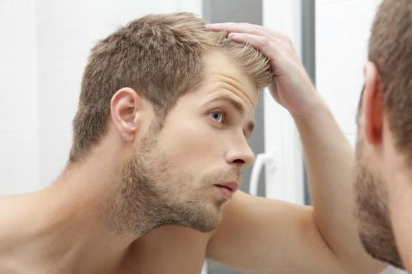 сиве волосся в юному віці