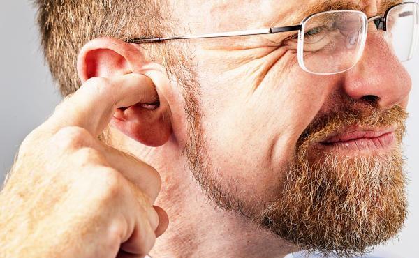 чистити вуха