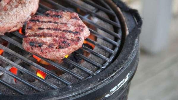 мясо на грилі