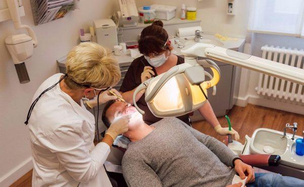 Лікуємо зуби вчасно