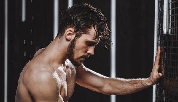 Як контрастний душ захищає серце